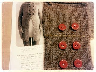 Comfortcardigan_swatch