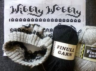 Wibbly wobbly hat