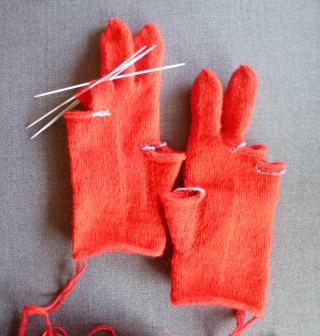 Tvåändsstickade fingervantar
